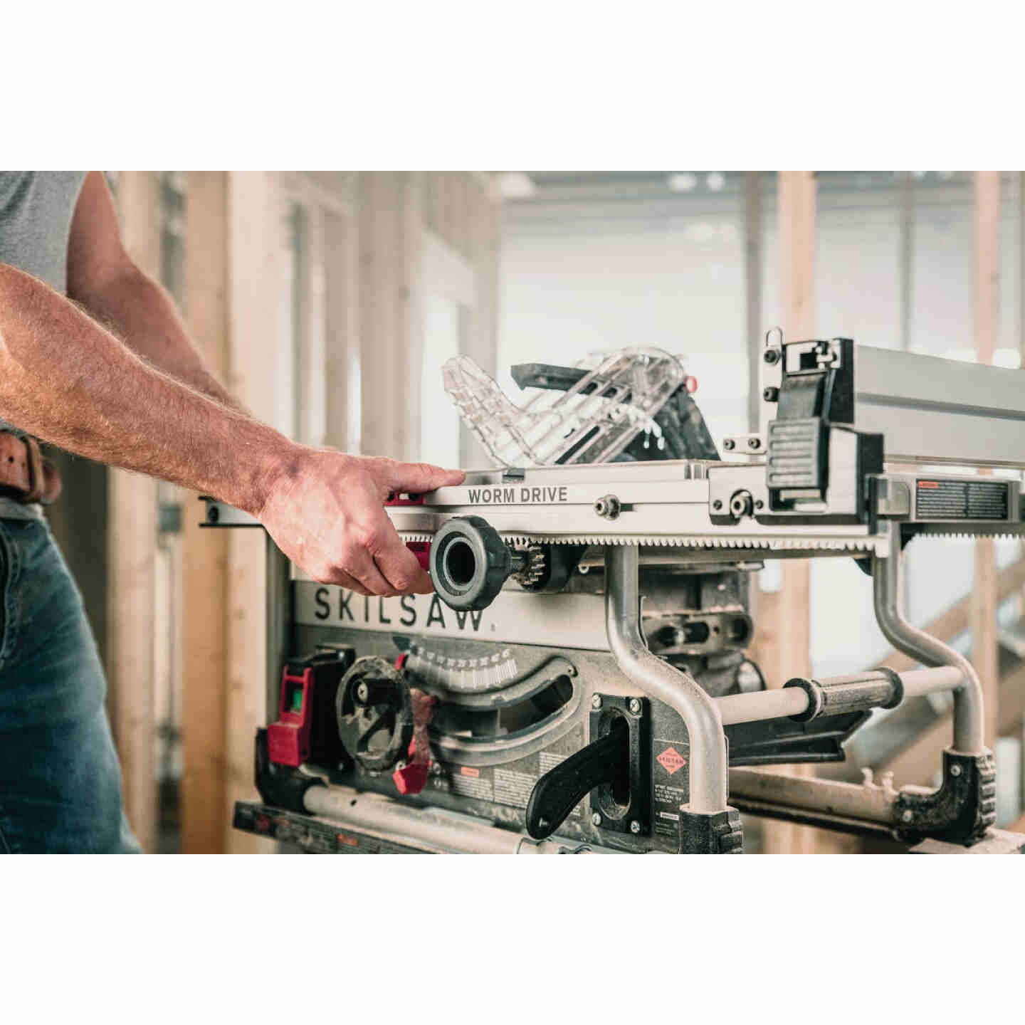 SKILSAW 15-Amp 8-1/4 In. Portable Worm Drive Table Saw Image 6