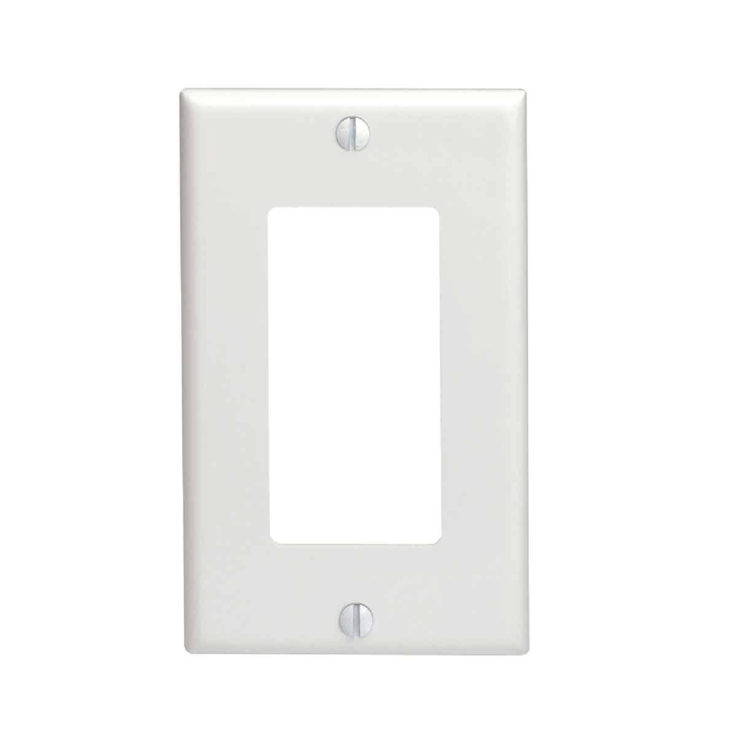 Leviton Decora 1-Gang Nylon Rocker Decorator Wall Plate, White Image 1